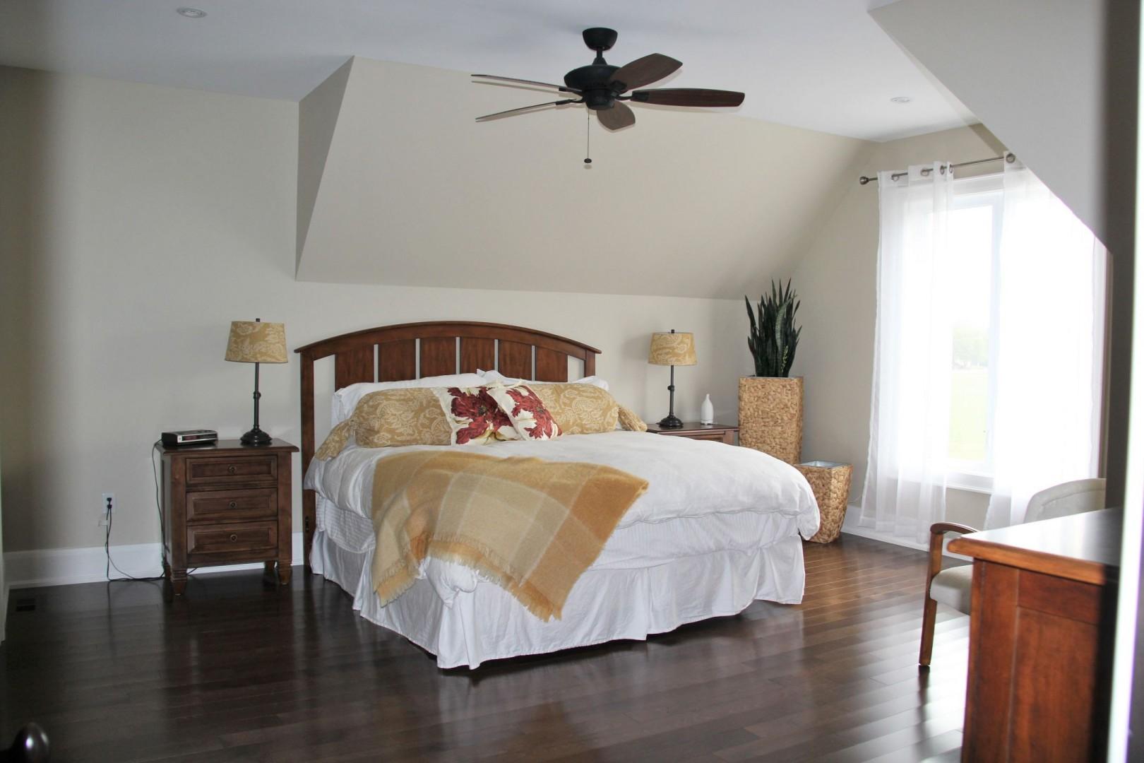 Laura Nicholson - apartment bedroom