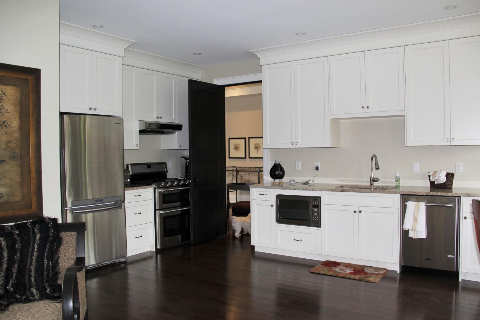Laura Nicholson - apartment kitchen3