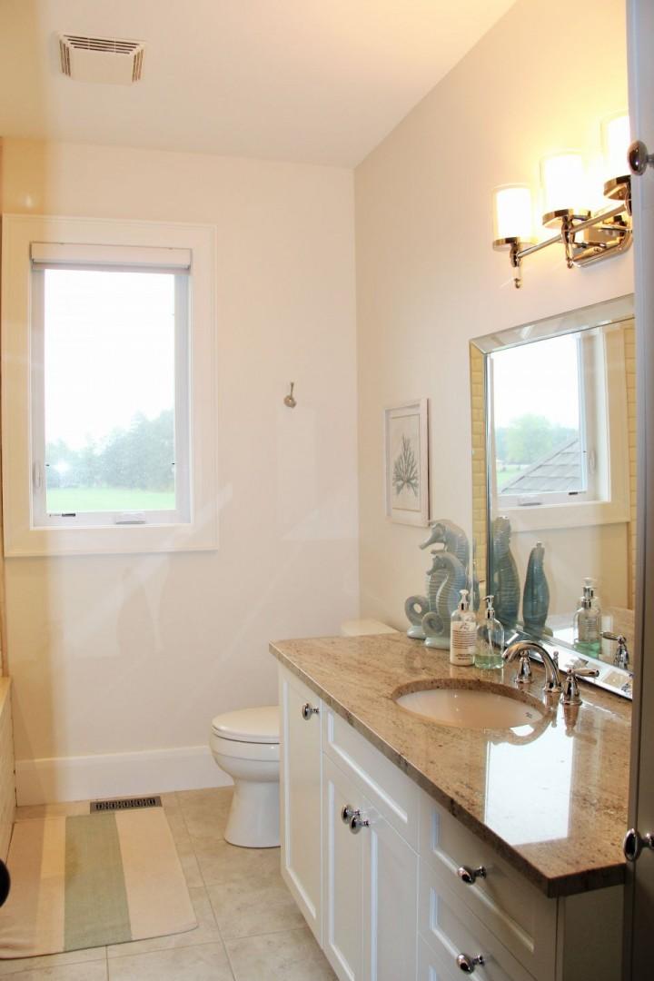 Laura Nicholson - bathroom2 PH (3)