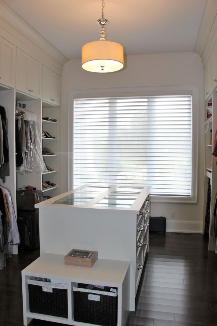 Laura Nicholson - closet room PH (9)