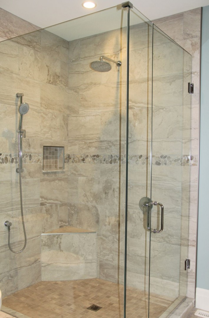 huron-woods-home-2015_ensuite_shower