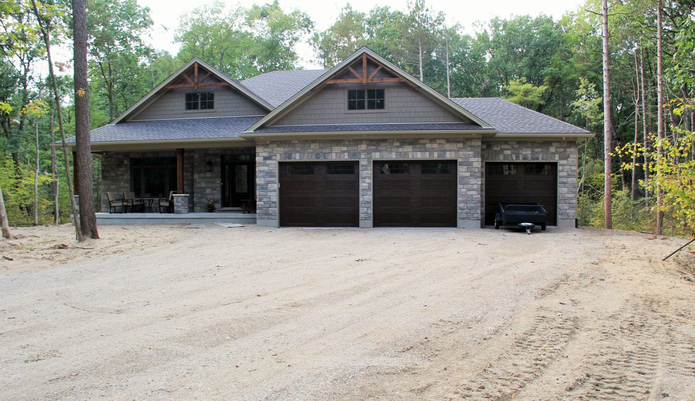huron-woods-home-2015_front_of_home_exterior