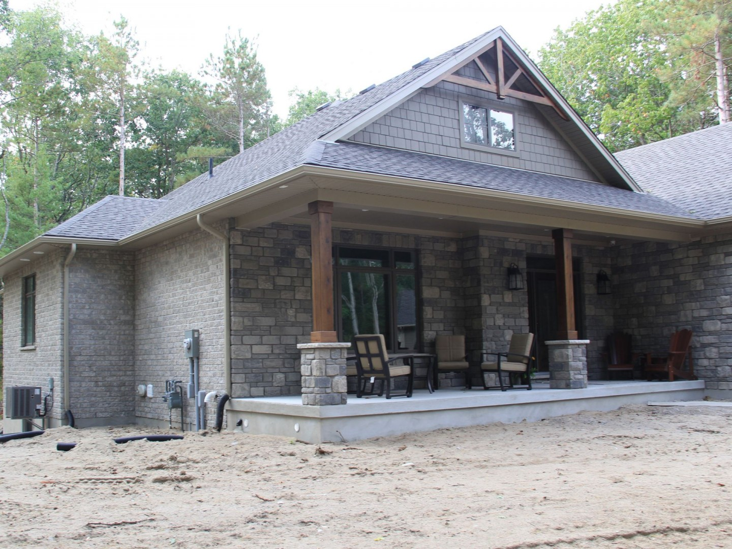 huron-woods-home-2015_front_porch