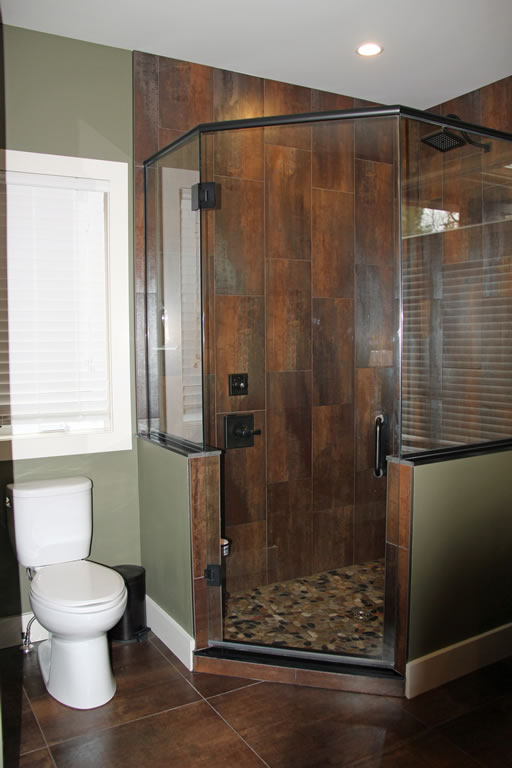 portfrankshomeensuite_shower_web
