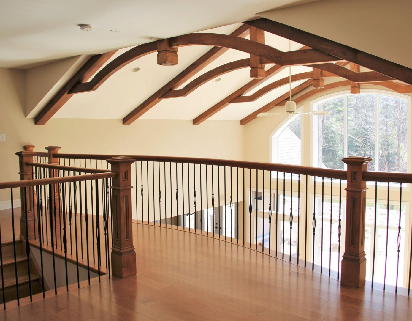 red-pine-road-home_upstairs_view_of_beams_and_railing